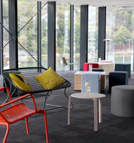 espace avec des chaises